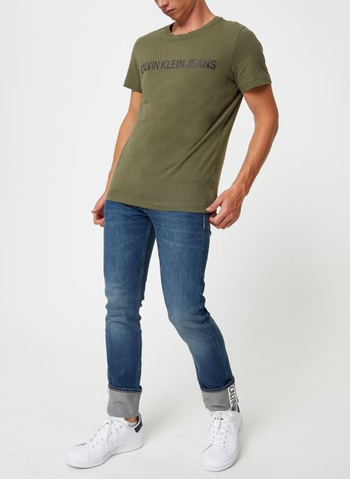 Vêtements Calvin Klein Jeans INSTITUTIONAL LOGO SLIM SS TEE Vert vue bas / vue portée sac