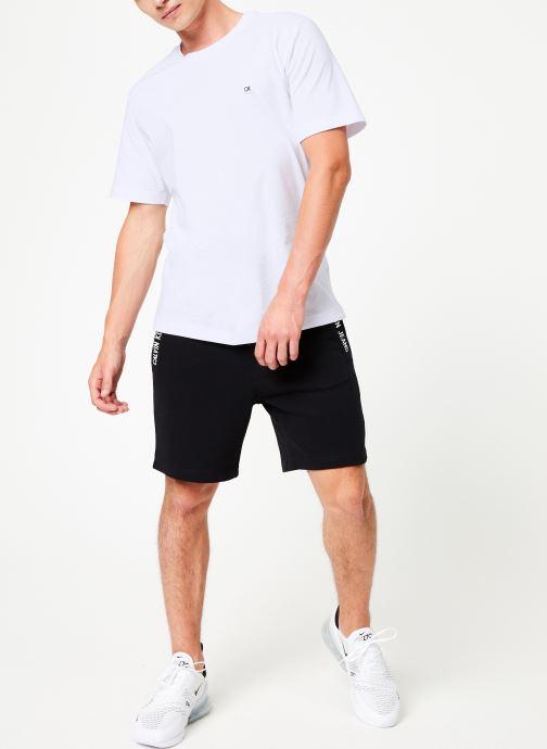 Vêtements Calvin Klein Jeans HWK INSTIT CUFF SHORT Noir vue bas / vue portée sac