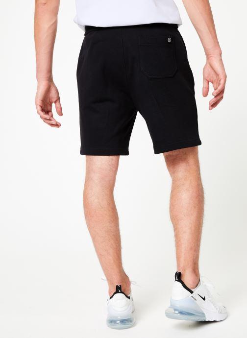 Vêtements Calvin Klein Jeans HWK INSTIT CUFF SHORT Noir vue portées chaussures