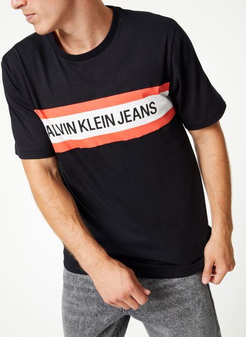 Vêtements Calvin Klein Jeans CHEST STRIPE INSTIT SLIM SS Noir vue détail/paire