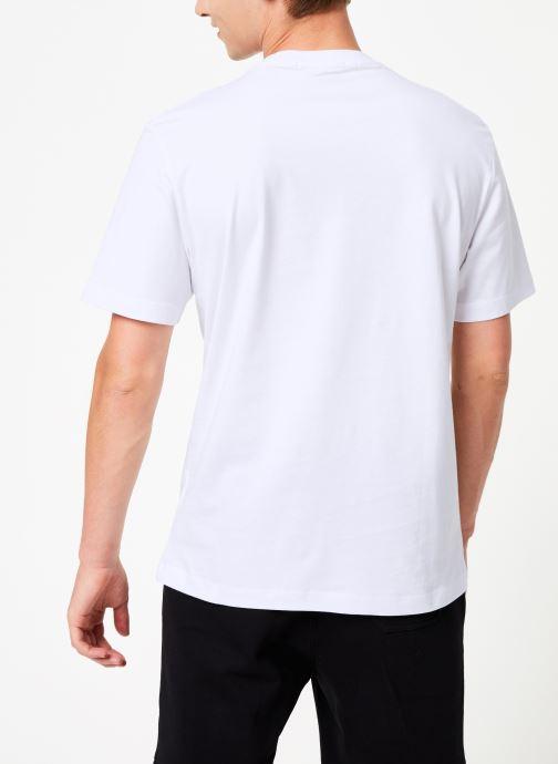 Kleding Calvin Klein Jeans CK BADGE EMBROIDERY REG TEE Wit model