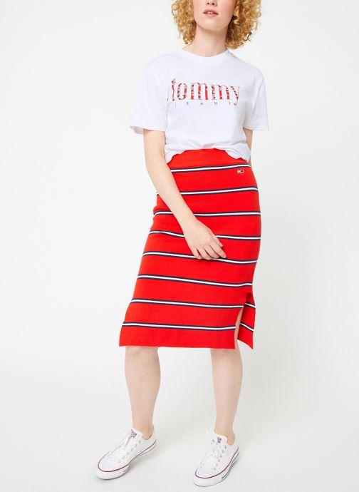 Vêtements Tommy Jeans TJW FLORAL EMBROIDERY TEE Blanc vue bas / vue portée sac