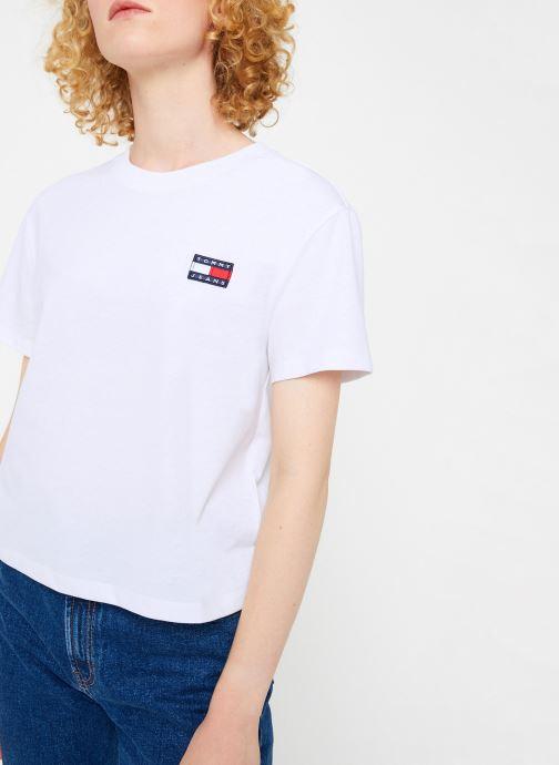 Vêtements Tommy Jeans TJW TOMMY BADGE TEE Blanc vue détail/paire