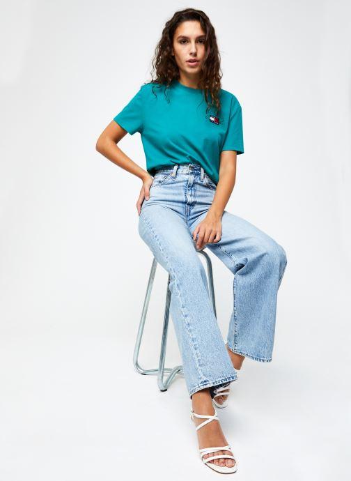 Vêtements Tommy Jeans TJW TOMMY BADGE TEE Vert vue bas / vue portée sac