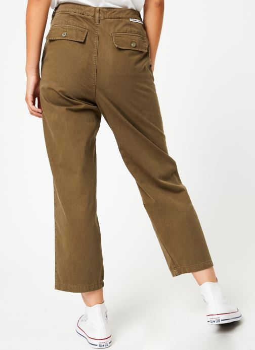 Vêtements Tommy Jeans TJW HIGH RISE STRAITGHT GMD PANT Vert vue portées chaussures