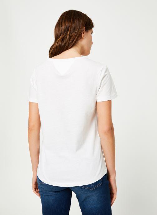 Vêtements Tommy Jeans TJW SOFT JERSEY TEE Blanc vue portées chaussures