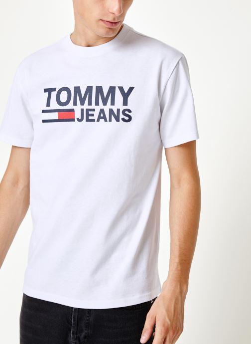 Tøj Tommy Jeans TJM TOMMY CLASSICS LOGO TEE Hvid detaljeret billede af skoene
