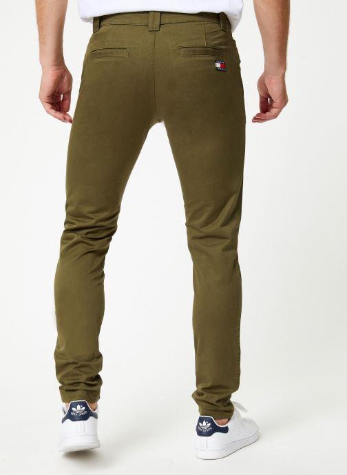 Vêtements Tommy Jeans TJM SCANTON CHINO PANT Vert vue portées chaussures