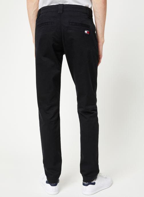 Vêtements Tommy Jeans TJM SCANTON CHINO PANT Noir vue portées chaussures