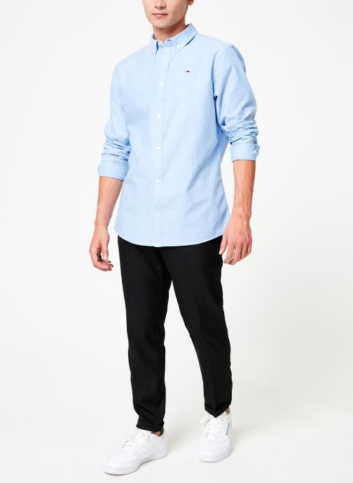 Vêtements Tommy Jeans TJM STRETCH OXFORD SHIRT Bleu vue bas / vue portée sac