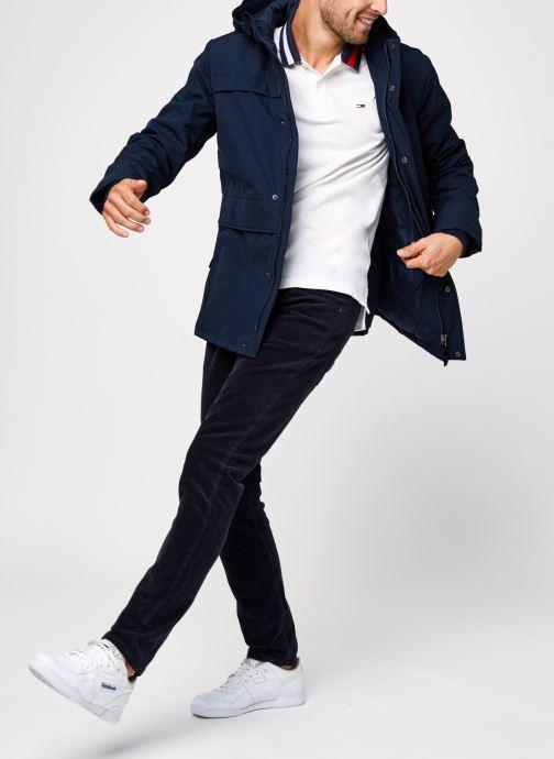 Vêtements Tommy Jeans TJM FLAG NECK POLO Blanc vue bas / vue portée sac