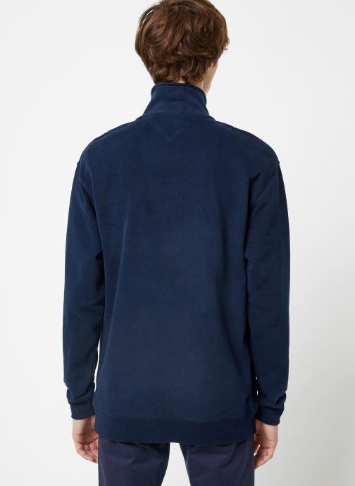 Vêtements Tommy Jeans TJM SOLID ZIP MOCK NECK Bleu vue portées chaussures