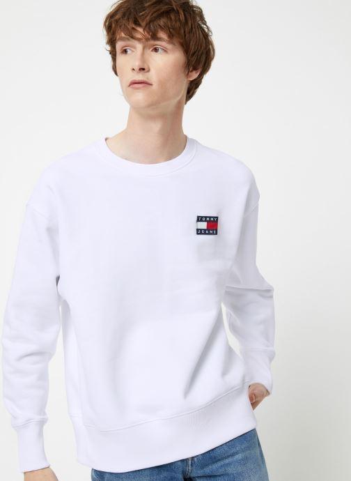 Vêtements Tommy Jeans TJM TOMMY JEANS BADGE CREW Blanc vue détail/paire