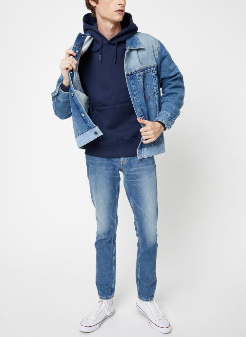 Vêtements Tommy Jeans TJM TOMMY BADGE HOODIE Bleu vue bas / vue portée sac