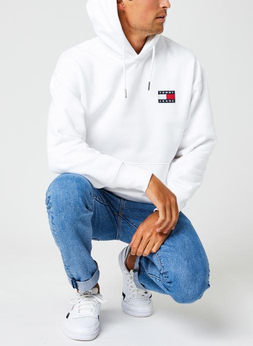 Vêtements Tommy Jeans TJM TOMMY BADGE HOODIE Blanc vue bas / vue portée sac