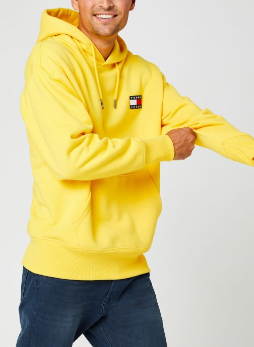 Vêtements Tommy Jeans TJM TOMMY BADGE HOODIE Jaune vue droite