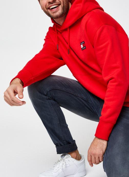 Vêtements Tommy Jeans TJM TOMMY BADGE HOODIE Rouge vue détail/paire