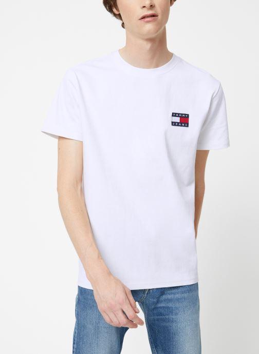 Vêtements Tommy Jeans TJM TOMMY JEANS BADGE TEE Blanc vue détail/paire