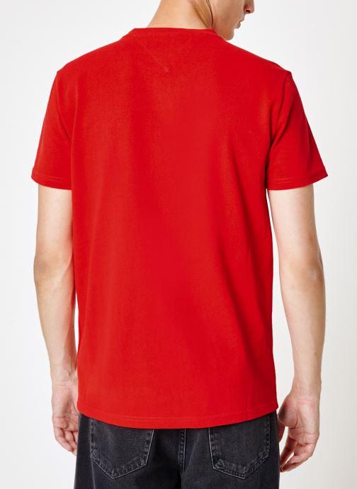 Vêtements Tommy Jeans TJM TOMMY JEANS BADGE TEE Rouge vue portées chaussures