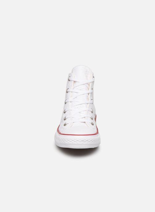 Baskets Converse Chuck Taylor All Star Hi Broaderie Anglais Blanc vue portées chaussures