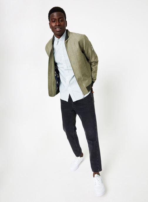 Vêtements Commune de Paris CHEMISE EUDES-B Vert vue bas / vue portée sac