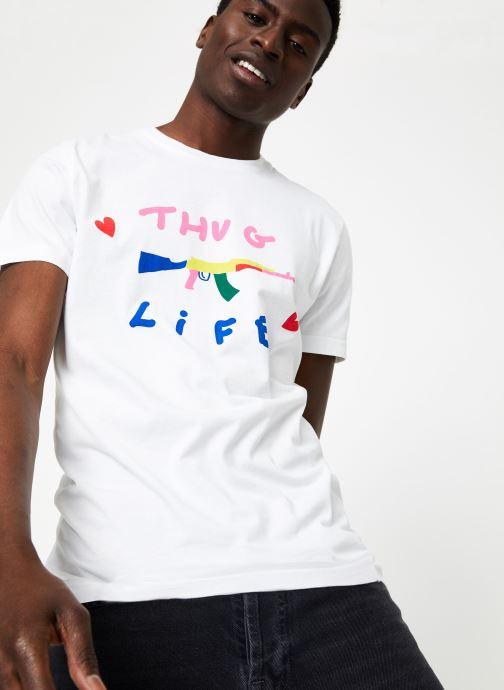 Vêtements Commune de Paris TEE SHIRT LOVEGUN Blanc vue détail/paire