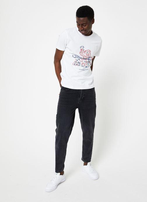 Vêtements Commune de Paris TEE SHIRT COQ Blanc vue bas / vue portée sac