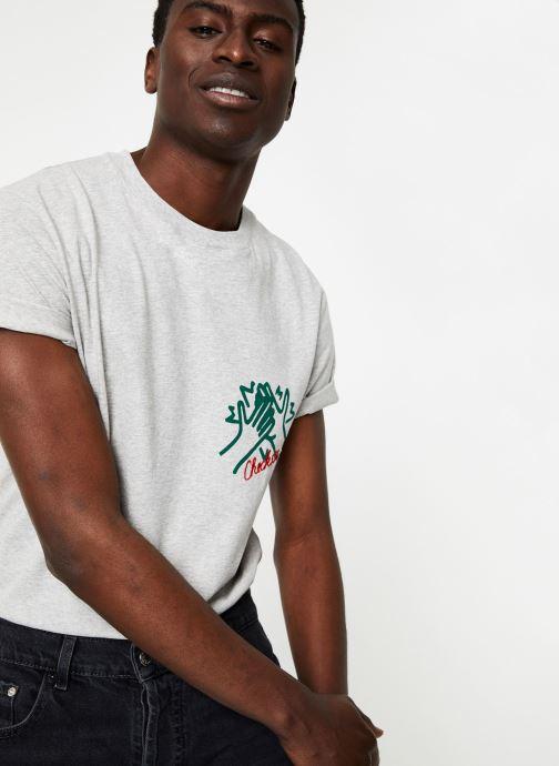 Vêtements Commune de Paris TEE SHIRT CHECK Gris vue détail/paire