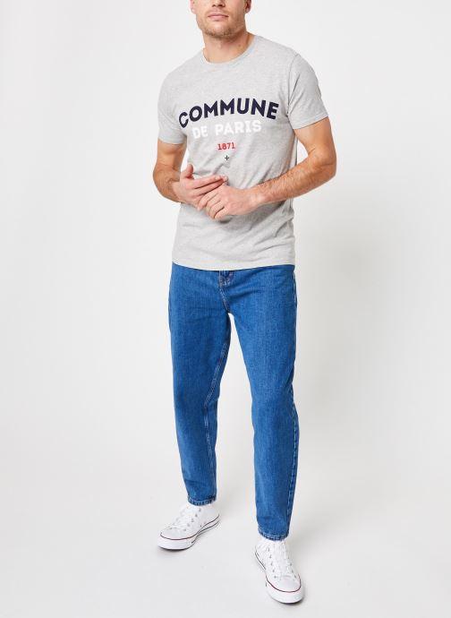 Vêtements Commune de Paris TEE SHIRT ICI Gris vue bas / vue portée sac