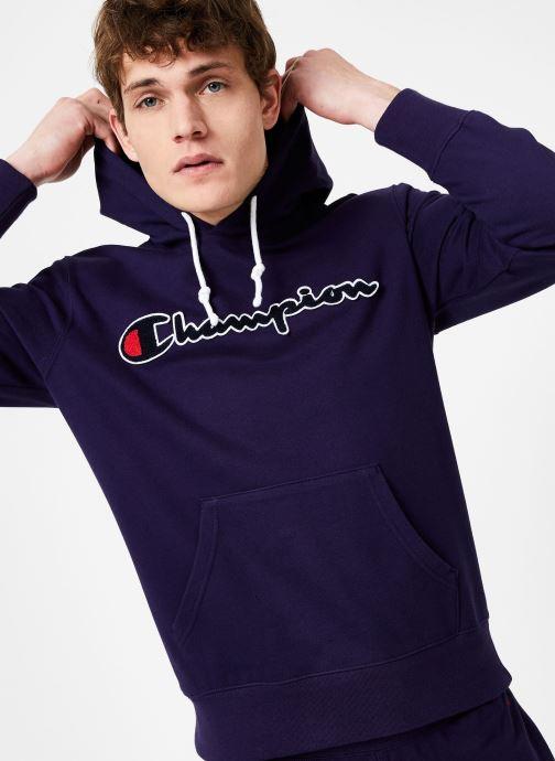 Tøj Champion Champion Large Script Logo Hooded Sweatshirt Blå detaljeret billede af skoene