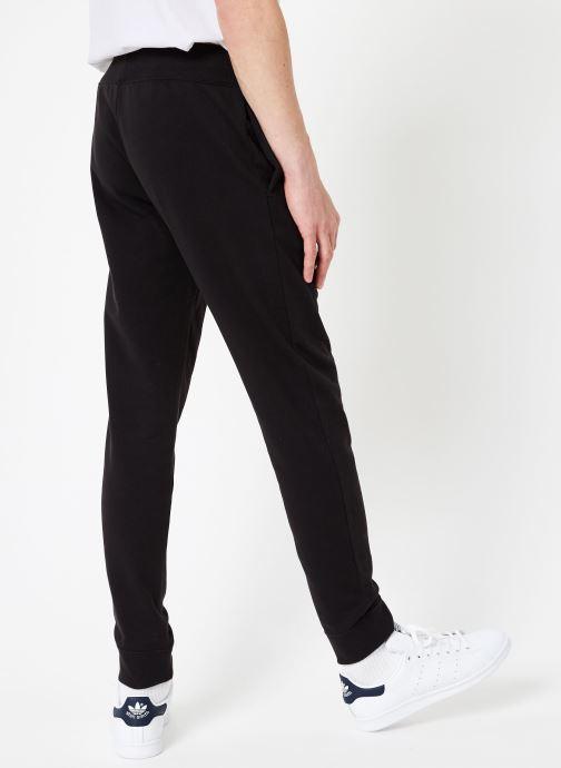 Vêtements Champion Champion Vertical Script Logo Rib Cuff Pants Noir vue portées chaussures