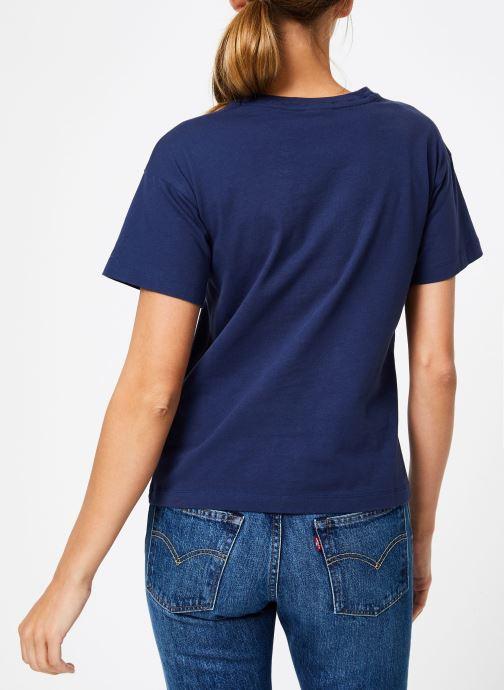 Vêtements Champion Champion Large Script Logo Crewneck T-Shirt Bleu vue portées chaussures