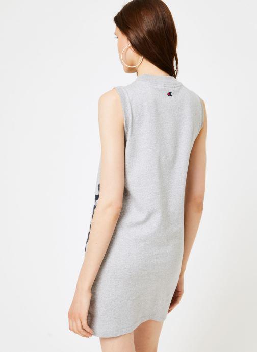 Vêtements Champion Champion Sleeveless Dress with Oversized Vertical Script Logo Gris vue portées chaussures