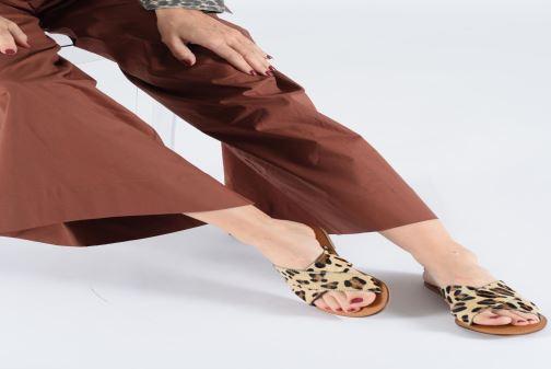 Mules et sabots I Love Shoes KISUN LEATHER Beige vue bas / vue portée sac