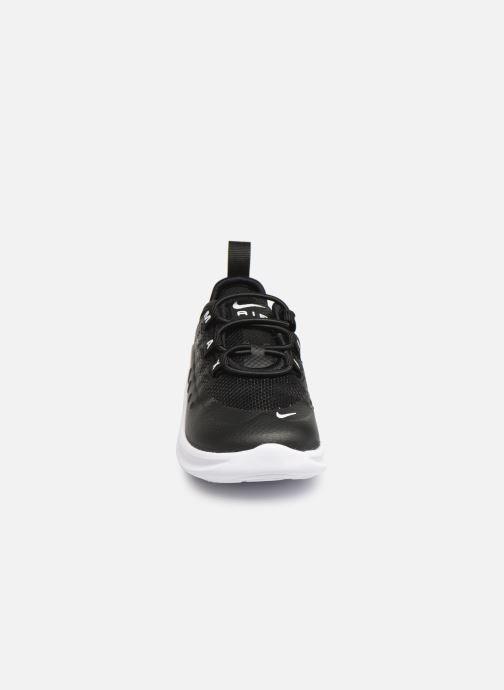 Deportivas Nike Nike Air Max Axis (Td) Negro vista del modelo