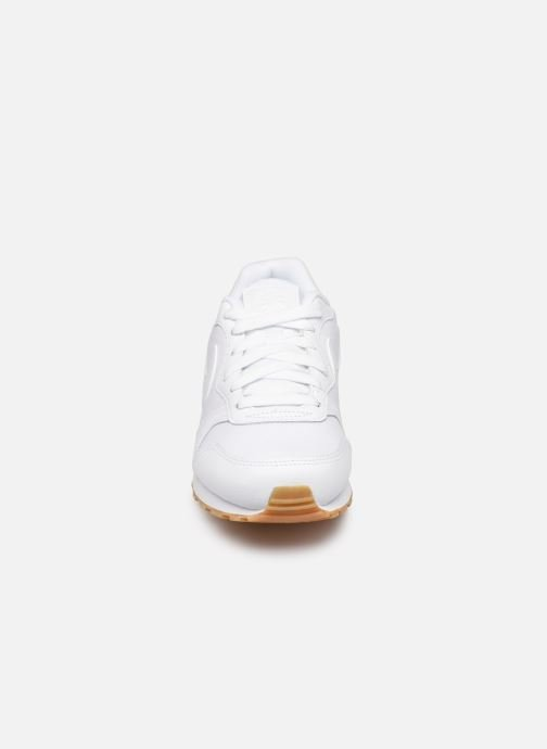 newest 686f1 c1977 Baskets Nike Nike Md Runner 2 Flrl (Gs) Blanc vue portées chaussures