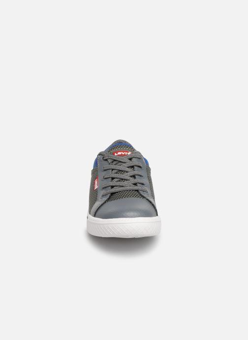 Baskets Levi's Future Gris vue portées chaussures