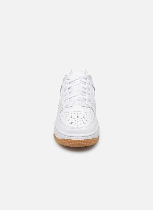 Baskets Nike Air Force 1 Flrl (Gs) Blanc vue portées chaussures