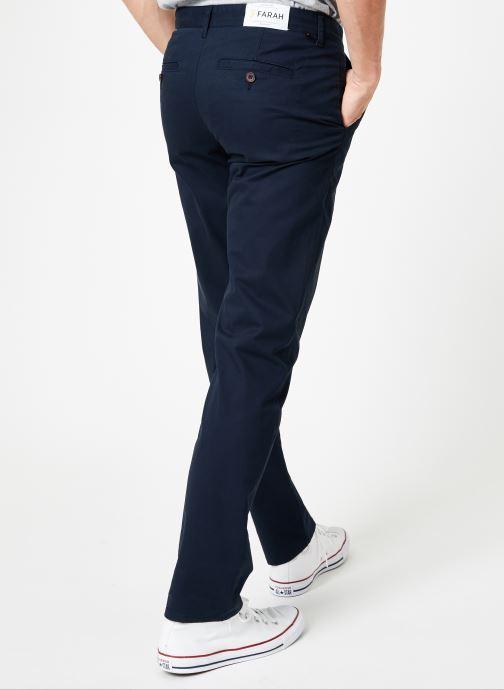 Vêtements Farah F4BS6021 Bleu vue portées chaussures