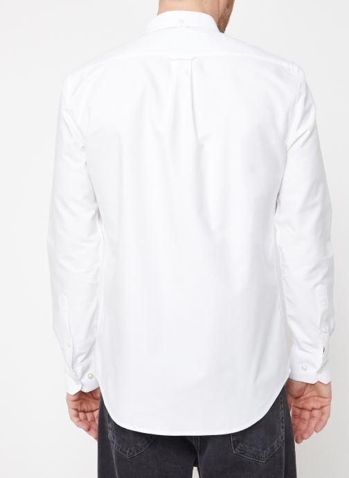 Vêtements Farah F4WS4054 Blanc vue portées chaussures