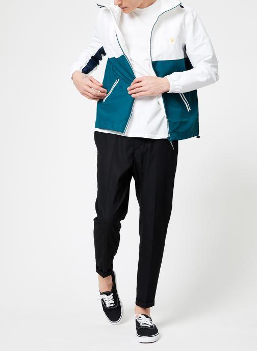 Vêtements Farah F6RS9001 Blanc vue bas / vue portée sac