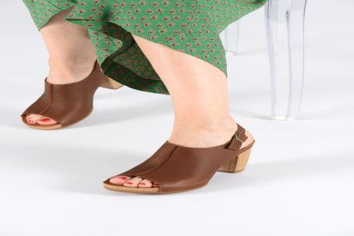 Sandales et nu-pieds El Naturalista Kuna N5022 Marron vue bas / vue portée sac