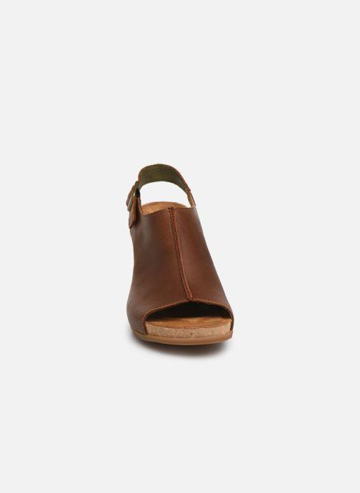 Sandales et nu-pieds El Naturalista Kuna N5022 Marron vue portées chaussures