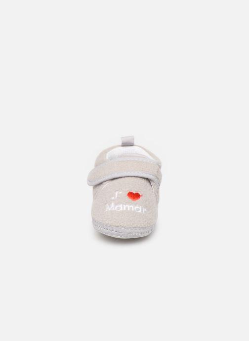 Slippers Sarenza Wear Chaussons bébé scratchs Grey model view