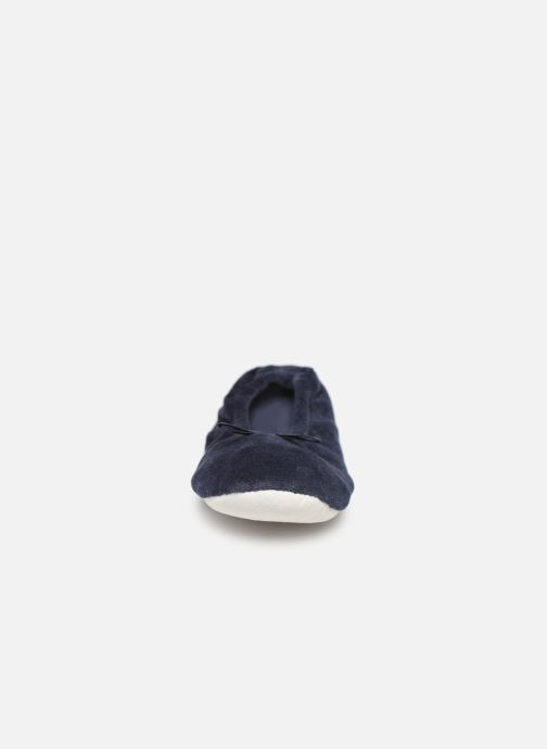 Slippers Sarenza Wear Chaussons fille balerines Blue model view