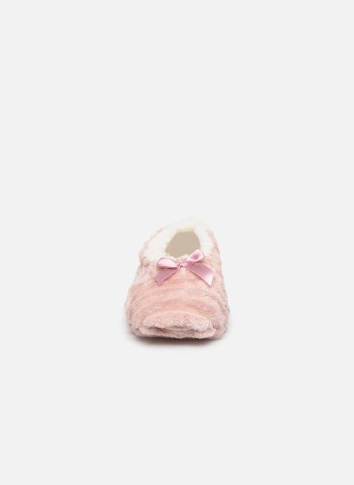 Chaussons Sarenza Wear Chaussons fourrés femme Rose vue portées chaussures