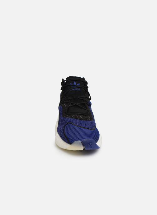 Sneakers adidas originals Crazy BYW Azzurro modello indossato