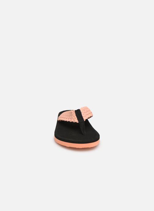 Mules et sabots Isotoner Tong yoga confort tresse Noir vue portées chaussures