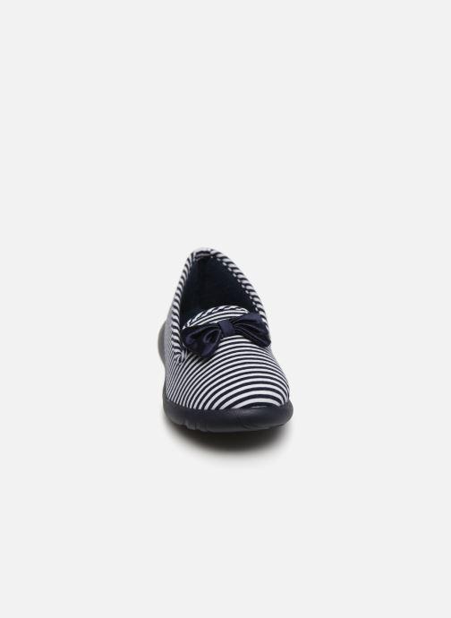 Chaussons Isotoner Slipper jersey semelle ergonomique ZEN flex Bleu vue portées chaussures