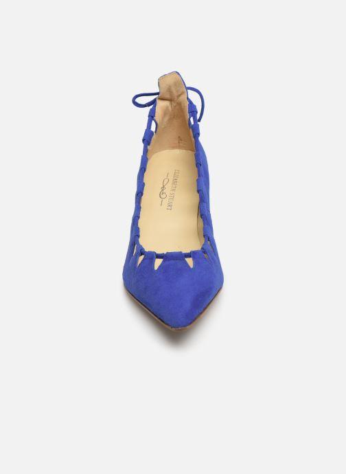 Zapatos de tacón Elizabeth Stuart Rysoul 300 Azul vista del modelo